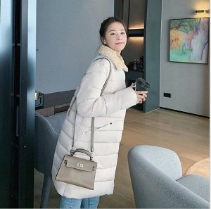 Женская удлиненная стеганая куртка, с воротником из искусственного меха, цвет белый