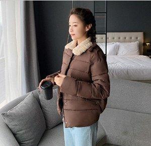 Женская осенняя стеганая куртка, с воротником из искусственного меха, цвет коричневый