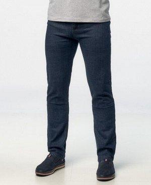 Джинсы Классические пятикарманные джинсы прямого кроя с застежкой на молнию и пуговицу. Состав: 85% - хлопок, 15% - спандекс