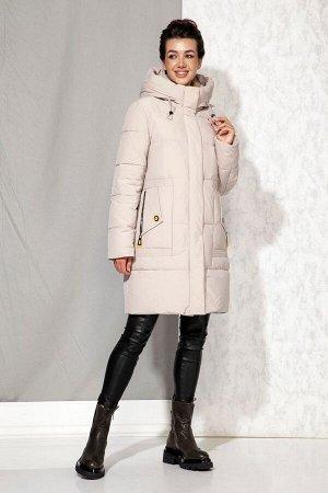 Пальто Пальто Beautiful&Free 4063 бежевый  Состав: ПЭ-100%; Сезон: Осень-Зима  Полупальто женское, зимнее, из гладкокрашеной полиэфирной ткани на подкладке с несъёмным капюшоном. Синтетический наполн