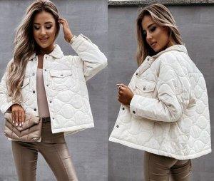 """Женская демисезонная стеганая куртка на кнопках, цвет """"слоновая кость"""""""
