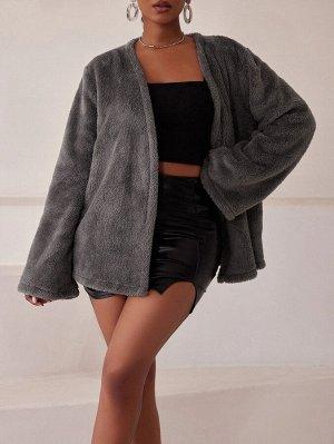 Пальто с рукавом 'колокол' плюшевый