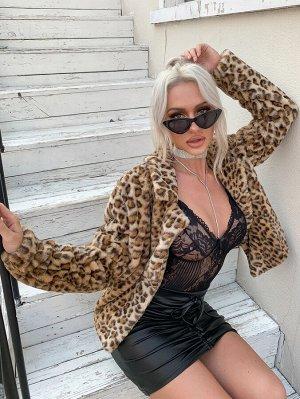 Пальто из искусственного меха с леопардовым принтом