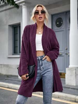 Плюшевое пальто со спущенным рукавом