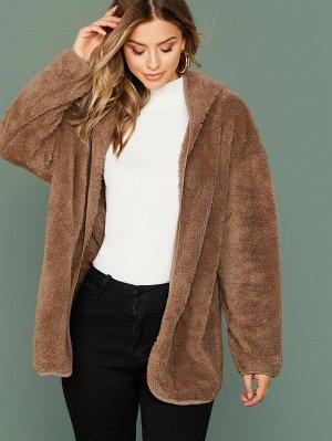 Плюшевое пальто с капюшоном