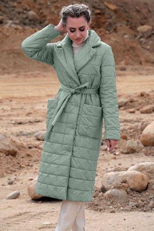 Пальто Пальто Golden Valley 7123 №2  Состав: ПЭ-100%; Сезон: Осень-Зима Рост: 170  Пальто утепленное с центральной двубортной застежкой на пришивные пуговицы, отложным воротником и лацканами. По пере