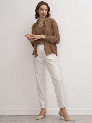 Блузка Состав ткани: 77 % Полиэстер, 20% Вискоза, 3% Эластан Длина: 62 См. Описание модели Базовая рубашка бежевого оттенка с аккуратным отложным воротом. Модель с длинными рукавами с манжетами на пуг