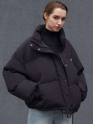 Зимнее пальто с текстовой заплатой