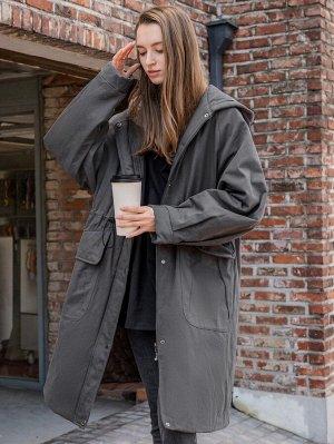 Зимнее пальто на молнии с капюшоном и пуговицами