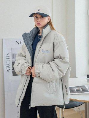 Пуховое пальто с текстовым принтом с заплатой на молнии