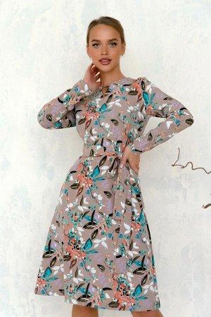 Платье Платье в оттенке нюд с необычным узором в цветах осени прекрасно подойдёт как для любого праздника, так и на каждый день. Идеально сидит по фигуре за счёт фирменных лекал. Необычно оформлен выр