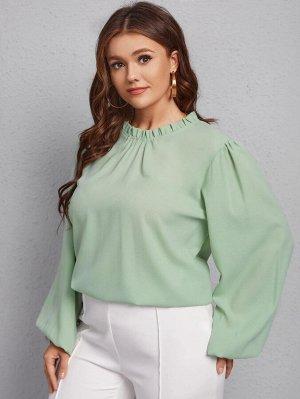 Однотонная блузка размера плюс