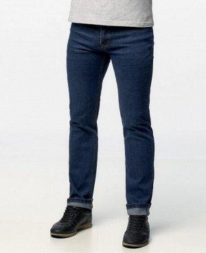 Джинсы Классические пятикарманные джинсы прямого кроя с застежкой на молнию и пуговицу. Состав: 95% - хлопок, 5% - полиэстер .