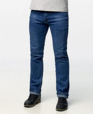 Джинсы Классические пятикарманные джинсы прямого кроя с застежкой на молнию и пуговицу. Состав: 95% - хлопок, 5% - полиэстер