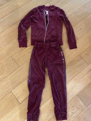 Спортивный костюм на 6-8 лет