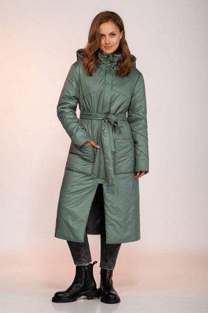 Пальто Пальто DilanaVIP 1750 бирюза  Состав: ПЭ-100%; Сезон: Осень-Зима Рост: 164  Пальто женское, прямого силуэта, длинной ниже колена, с капюшоном.Спинка со средним швом. Перед с отрезными кокеткам