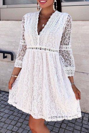 Белое кружевное мини-платье с V-образным вырезом и прозрачными рукавами 3/4