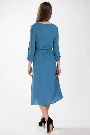 Платье Платье женское, полуприлегающего силуэта, длиной ниже колена, с V-образным вырезом горловины по переду. Платье отрезное по линии талии и собрано на сборку эластичной тесьмой. По боковым швам по