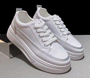 Женские кроссовки, цвет белый