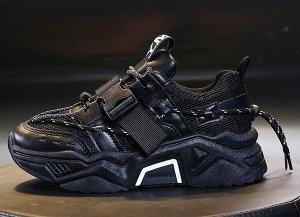Женские кроссовки, цвет черный