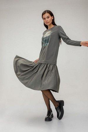 Платье Платье миди. Модель с юбкой со складками и верхом в стиле толстовки. Уникальный авторский принт, созданный художниками HELMIDGE, подчеркнет вашу индивидуальность и творческую натуру! Состав 84%
