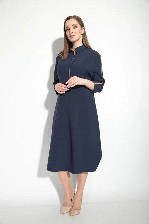 Платье Отличное платье на каждый день из искусственного льна. Прекрасно смотрится как с классической, так и спортивной обувью. Имеет легкое клешение к низу, благодаря вертикальным рельефам прекрасно с
