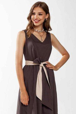 Платье Лаконичное платье отрезное чуть выше талии. Расширенное от линии подреза и присобранное в складки, без рукавов, с V - образным вырезом. Интересная деталь- фигурный широкий двухцветный пояс. Низ