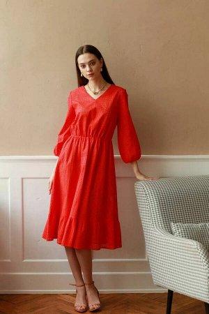 Платье Платье расширенного силуэта со сборкой на эластичную тесьму-резинку по линии талии. Горловина V- образная. Рукав втачной, длиной 3/4, по низу рукава сборка на эластичную тесьму-резинку. Платье