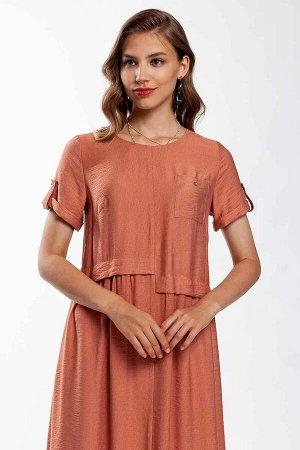 Платье Платье свободного силуэта, длиной миди. Передняя деталь со средним швом и разноуровневыми кокетками, по низу которых - присобранная складками юбка. Декор платья-нагрудный накладной карман с пуг