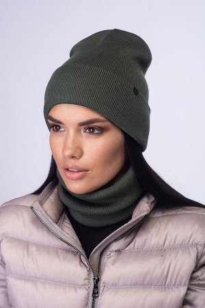 Вязаный комплект шапка+бафф