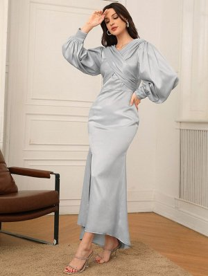 Платье с рукавами-фонариками высоким разрезом