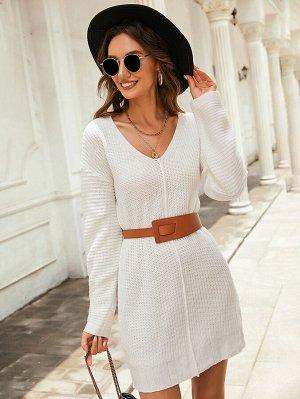 Вязаное платье-свитер в рубчик без пояса