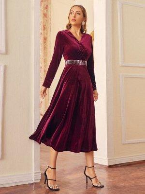 Платье с v-образным вырезом со стразами талией бархатный