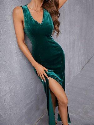 Платье с v-образным вырезом высоким разрезом бархатный