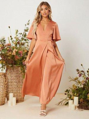 Платье с v-образным вырезом с рукавами-бабочками с узлом