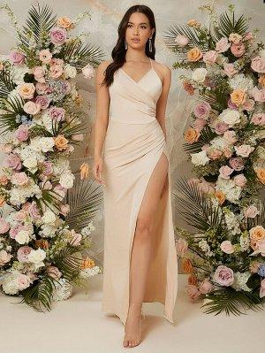 Платье на бретельках с вырезом на спине
