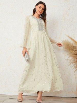 Платье с блестками и аппликациями