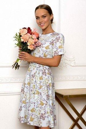 Платье Лёгкий цветочный принт из листиков золотого оттенка в невероятно женственном сочетании с кроем платья. Модель 4696 выполнена из ткани супер софт. Короткий рукавчик, летящая юбка, тонкий ремешок