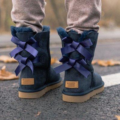 Теплая женская одежда и обувь. Шапки, шарфы, колготки