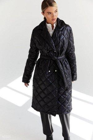 Длинная стеганная куртка черного цвета