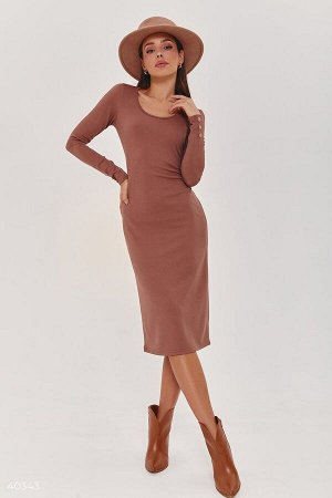 Трикотажное платье цвета мокко