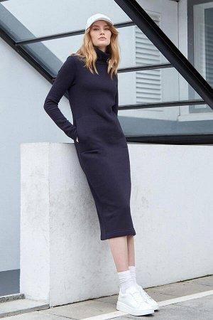 Платье Antera длинное с начесом темно-синее