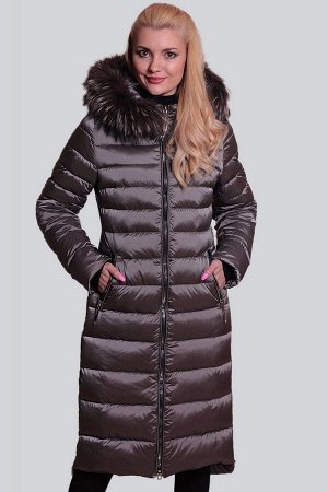 Серый Длинные пальто на синтепухе имеют много преимуществ в сравнении с короткими куртками и шубками. Они хорошо смотрятся на любой фигуре. Недостатки полной фигуры они легко замаскируют. При этом пал