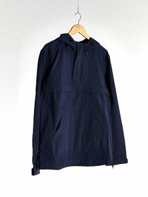 Куртка-анорак приталенная с капюшоном