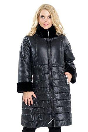 Пальто с меховым воротом и манжетами черное