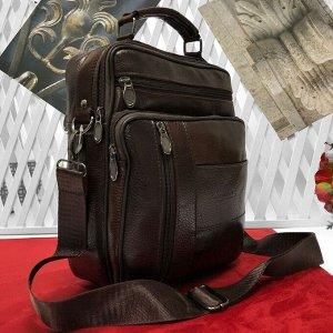 Мужская сумка Adore формата А5 из мягкой натуральной кожи с ремнем через плечо кофейного цвета.