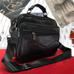 Мужская сумка Gerze из мягкой натуральной кожи с ремнем через плечо чёрного цвета.