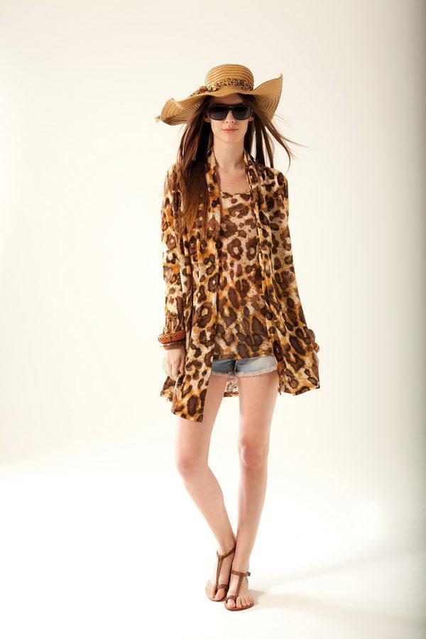 Топ-майка из распродажи ДУ цвет леопард-ФУКСИЯ на 46-48р-р во Владивостоке