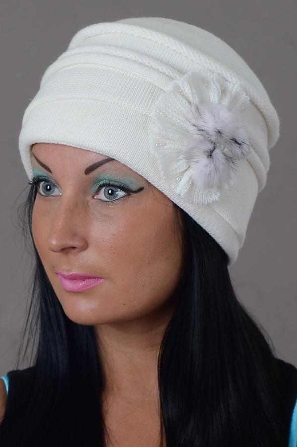 Шапка на подкладке,цвет белый во Владивостоке