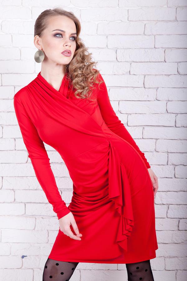 платье ярко -красное р.42-44 во Владивостоке